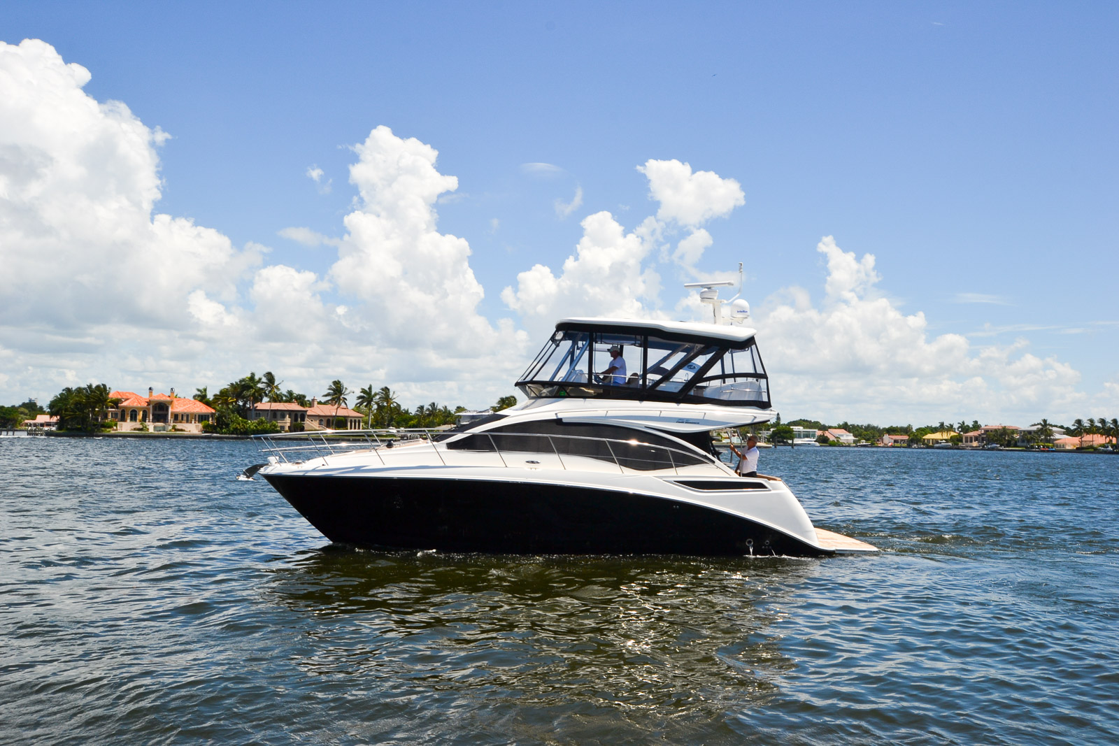 Brunswick to retain & reinvent Sea Ray - No yachts or Sport Yachts